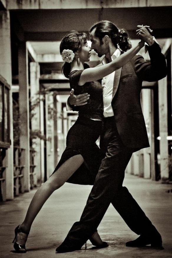 Tango milonguero o apilado